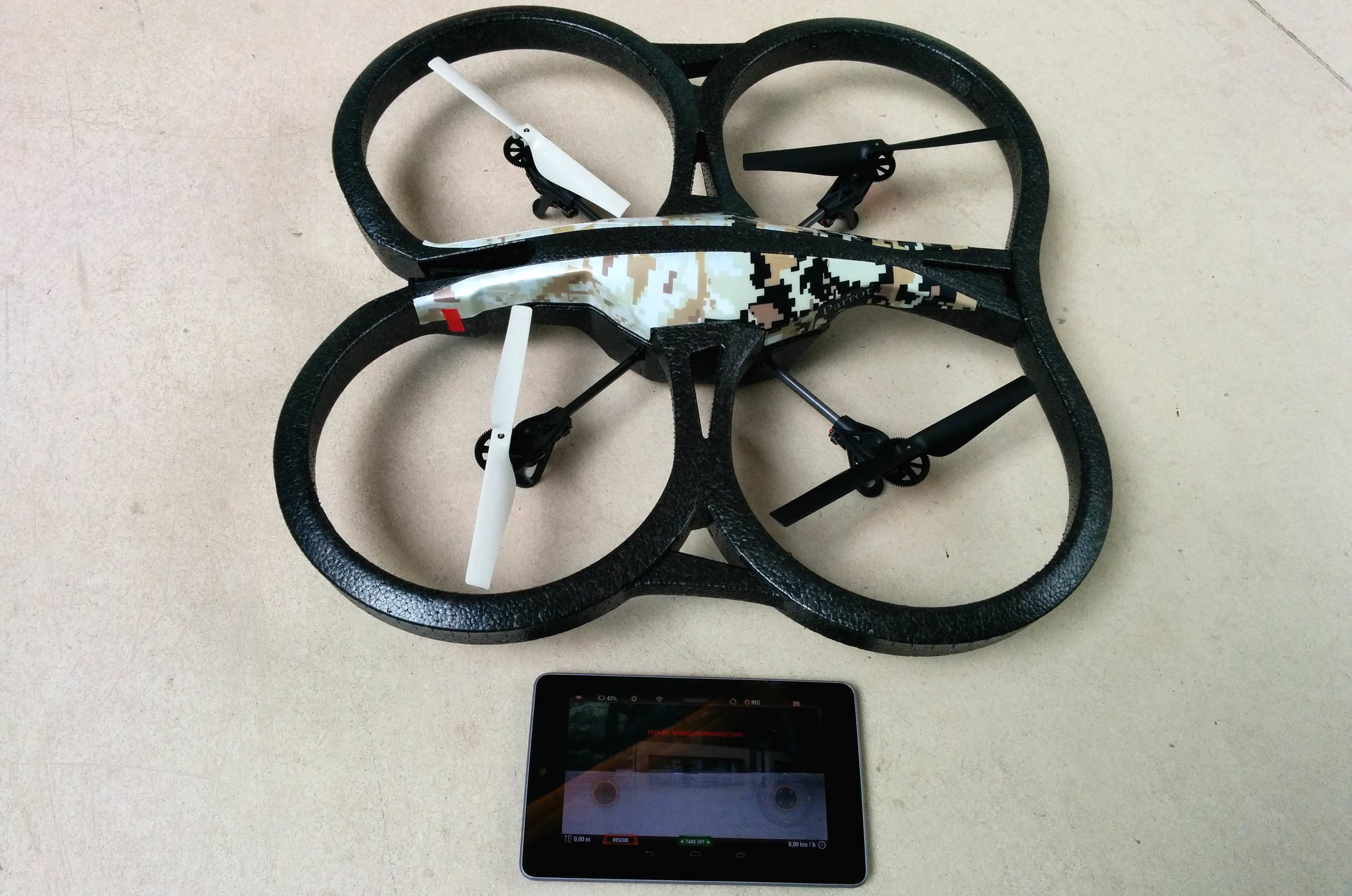Parrot AR.Drone 2.0 GPS Edition inklusive Tablet