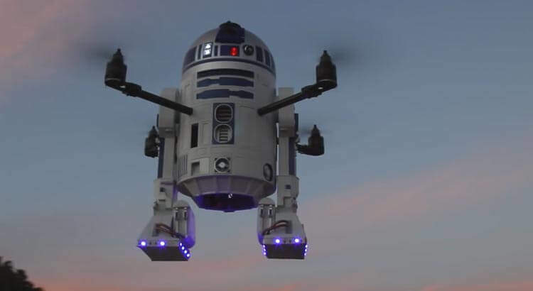 R2 D2 Drohne - Star Wars Quadrocopter - flying